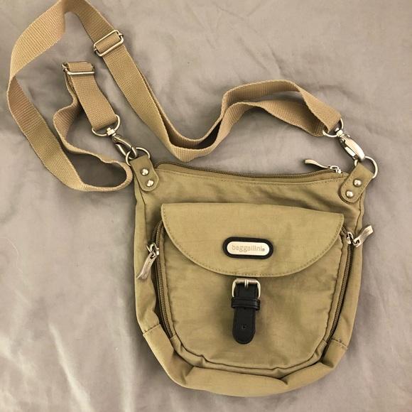Baggallini Handbags - Baggalini crossbody bag, fanny pack in beige. used